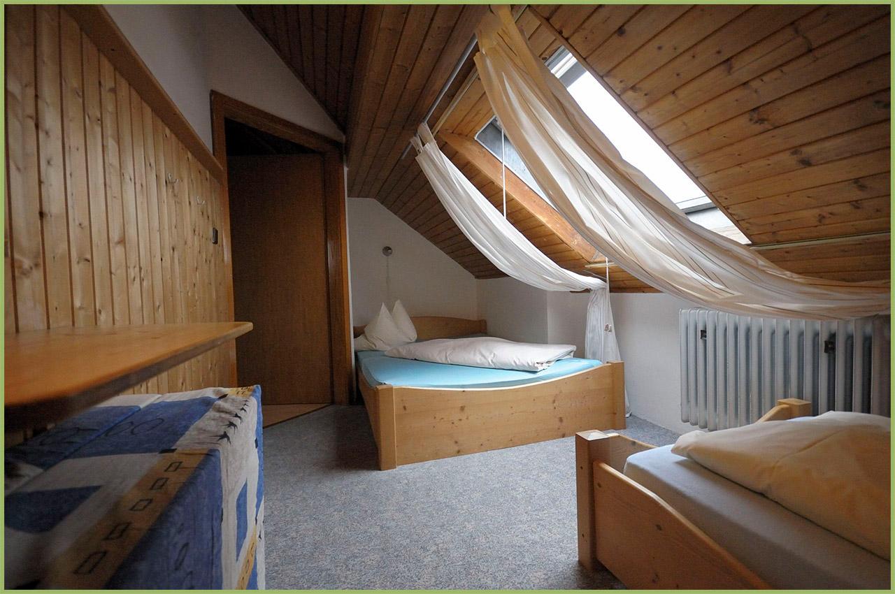 Ansicht Haus 2 Dachgeschoss Ferienwohnung 7 Nr. 5