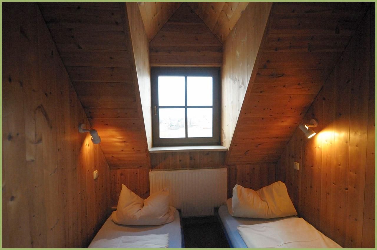 Ansicht Haus 2 Dachgeschoss Ferienwohnung 8 Nr. 4