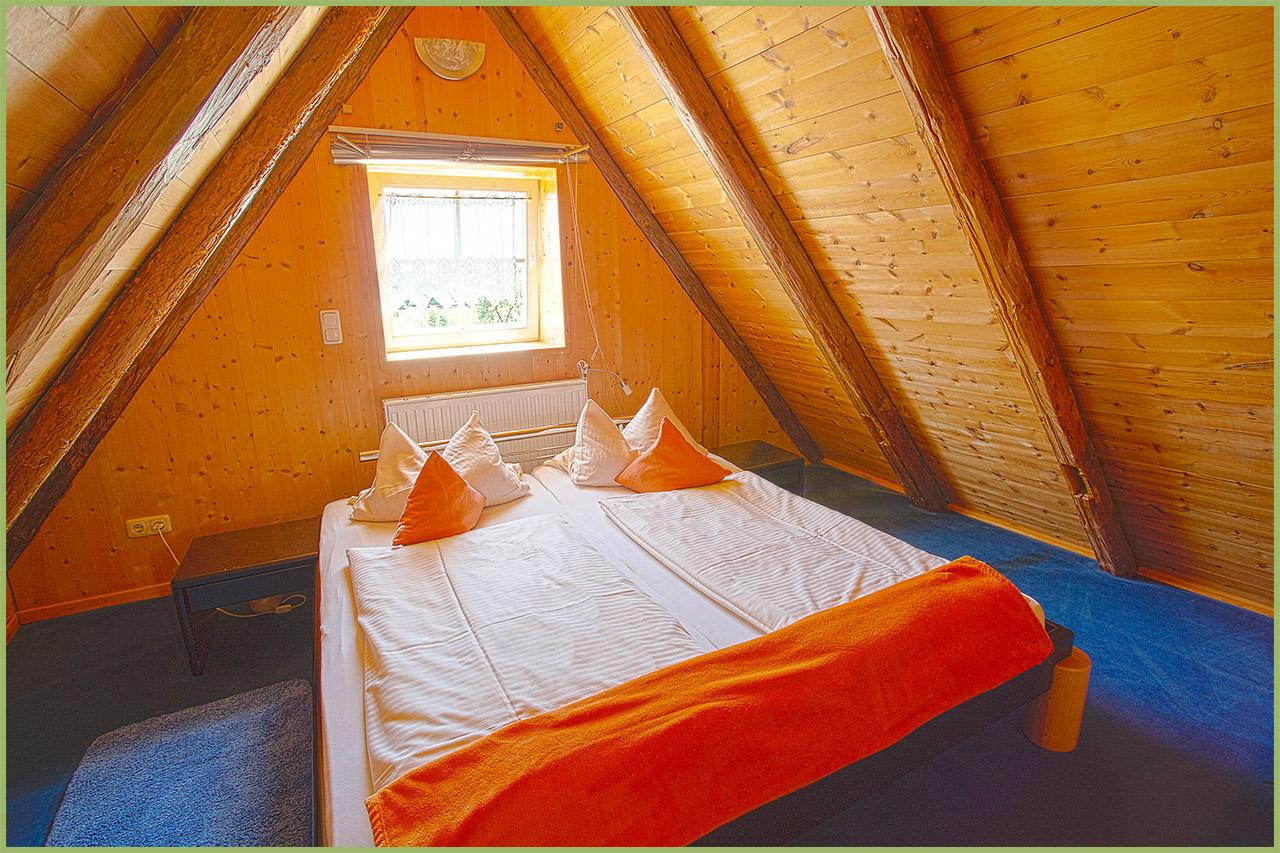 Ansicht Haus 3 Dachgeschoss Ferienwohnung 14 Nr. 5